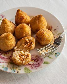 Receta de Buñuelos brasileños de Pollo CUK o Coxinhas.