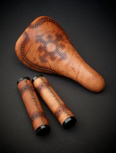 Custom-Leather-Bmx-pivotal-SL-Chaos-symbol-ODI-Custom-leather-lock-on-grips-hand-made-Austin-Texas-BMX-brogue-Leh-Seats other half would love these Bmx Seats, Bicycle Seats, Motorcycle Style, Bike Style, Bicycle Safety, Leather Bicycle, Retro Bicycle, Cool Bike Accessories, Bike Wheel