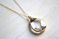 Gold Necklace Crystal Pendant Necklace Gold por SummerBucket, $54.00