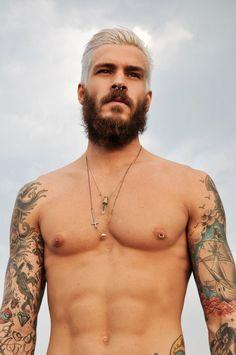 As tatuagens de Mateus Verdelho