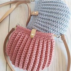Embroidery for Beginners & Embroidery Stitches & Embroidery Patterns & Embroidery Funny & Machine Embroidery Crochet Handbags, Crochet Purses, Best Leather Wallet, Crochet Purse Patterns, Diy Bags Purses, Free Machine Embroidery Designs, Knitted Bags, Single Crochet, Crochet Projects