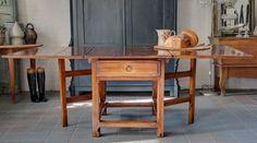 Antieke Zweedse tafel