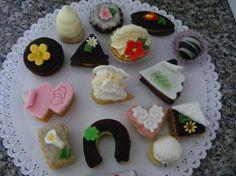 Drobné cukroví :: Cukrarstvinet Christmas Cookies, Sweet Tooth, Sweets, Sugar, Desserts, Food, Xmas Cookies, Tailgate Desserts, Deserts