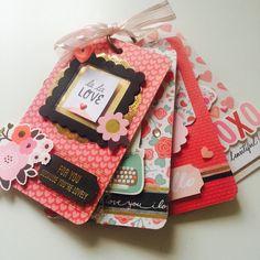 Ready to post Mini Albums, Mini Scrapbook Albums, Scrapbook Cards, Paper Crafts Origami, Scrapbook Paper Crafts, Envelope Book, Fun Mail, Fun Fold Cards, Handmade Books