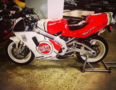 #suzuki #rgv #luckystrike #motogp #bike #race #motorcycle #grandprix #moto #japanese #racing #motorbike #awesome #wsbk #speed #classicbike #mint