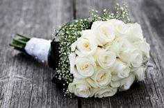 buque de noiva rosas brancas