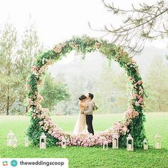 What do you think of this wedding backdrop via @weddingscoop #wedding #flowers #ceremony #weddings #florals #stylemepretty #amazing #photooftheday #weddingday #weddingphotos #theknot #weddingwire #bridegroom #creative #circle #floraldesign