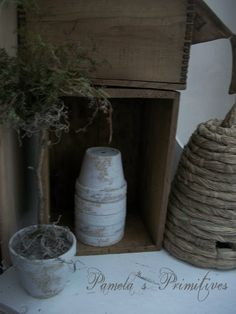 Bee Skep Hive Pick JE 03060 Miniature Fairy Garden