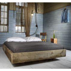 JOHANENLIES | Bett aus recyceltem Bauholz CADANET