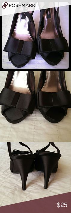 💥FLASH SALE 💥 Mina sandals This sandals are soooo cute , satin look to it , in very good condition Shoes Sandals