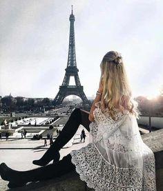 Picture Perfect in Paris Beautiful Paris, I Love Paris, Paris Wallpaper, Photographie Portrait Inspiration, Paris Outfits, Paris Mode, Belle Villa, Paris Photography, Amazing Photography