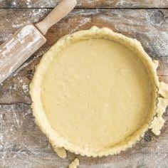 Ein gutes Tarteteig-Grundrezept zu finden, bedeutet: Endlich kannst du den perfekten Boden für Tartes oder Pies selber machen! Schwierigkeitsgrad, ade!