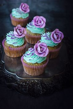 Delicious and easy Earl Grey Cupcakes with Orange Buttercream. Teal Cupcakes, Teal Cake, Lavender Cupcakes, Sweet 16 Cupcakes, Wedding Cupcakes, Best Dessert Recipes, Cupcake Recipes, Just Desserts, Dessert Food