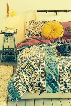 35 Charming Boho-Chic Bedroom Decorating Ideas   Boho, Bedrooms and Bedding