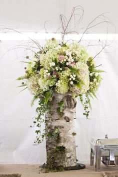 You might want to shut your office door for this Montana beauty captured by Janie Osborne , because it's a take your breath away type of fête. Floral Centerpieces, Wedding Centerpieces, Floral Arrangements, Wedding Decorations, Winter Centerpieces, Tall Centerpiece, Shower Centerpieces, Decoration Buffet, Birch Tree Decor