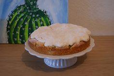 biscuit and buttercream: Rhabarber-Baiser-Kuchen