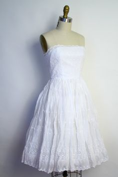 Vintage 50s Wedding Dress - White Eyelet Embroidered Strapless Party Dress