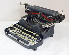 Typewriter Vintage Smith Corona 3. The Folding Typewriter. 1931. In full working order. Free UK shipping. Free cleaning kit. Free Warranty.