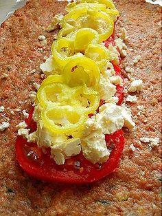 Ρολό γεμιστό με γεύση Μεσογειακή [κιμά μοσχαρίσιο και χοιρινό (μισό-μισό)] Date Recipes, Greek Recipes, Yummy Recipes, Food And Drink, Cooking Recipes, Yummy Food, Fish, Meat, Vegetables