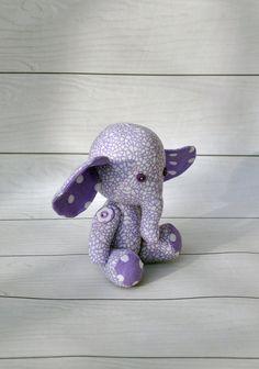 Muñeca de elefante elefante de peluche trapo de elefante.