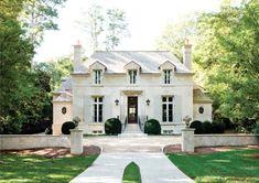 Architect D. Stanley Dixon won the prestigious Shutze Award in 2010 for his design of this elegant Buckhead home. [Photo: Erica George Dines for Atlanta Homes & Lifestyles]