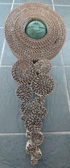 http://jennygilman.blogspot.de/2013/03/corrugated-cardboard-bridal-design.html #Wellpappe