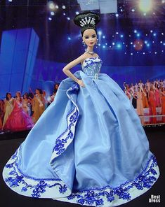 Miss Romania 2009 - Christian Dior Alta Costura Primavera-Verano 2009 Miss Pageant, Barbie Miss, Barbie Style, Christian Dior, Diva Dolls, Dior Dress, Bride Dolls, Beautiful Barbie Dolls, Barbie Collector