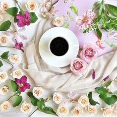 Coffee and friends Good Morning Coffee, Coffee Cozy, I Love Coffee, Coffee Art, Coffee Break, My Coffee, Coffee Time, Coffee Dessert, Coffee Drinks