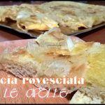 Focaccia+rovesciata+con+le+cipolle.+Un+modo+piacevole+di+accompagnare+zuppe+e+insalate.