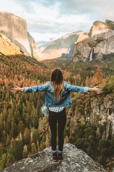 Wanderlust :: Outdoor Aesthetic :: Gypsy Soul :: Wild Heart :: Free Spirit :: Wander Barefoot :: Seek Adventure :: Boho Style :: Chase the Sun :: Travel the World :: Discover more Travel Photography + Inspiration Adventure Awaits, Adventure Travel, Adventure Outfit, Nature Adventure, Adventure Photos, Adventure Style, Girl Photography, Travel Photography, Adventure Photography