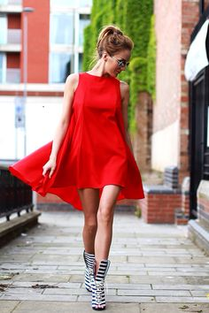 Glamour| Summer Dress| Red Alert| Serafini Amelia|