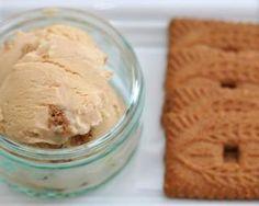 Sorbet allégé au yaourt et Spéculoos© : http://www.fourchette-et-bikini.fr/recettes/recettes-minceur/sorbet-allege-au-yaourt-et-speculoosc.html