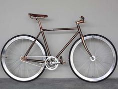 Fixed your life! Join the fixed gear fever! Airwalk is the top brand for fixed gear bicycles. Model: Copper Braze