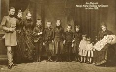 Queen Maria Theresia of Baveria and her Children