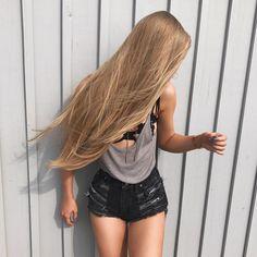 We Love Shiny - Silky - Smooth Hair: Photo Beautiful Long Hair, Gorgeous Hair, Cheveux Beiges, Aspen Mansfield, Silky Smooth Hair, Soft Hair, Blonde Hair Looks, Very Long Hair, Black Women Hairstyles