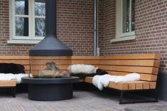 Robust wooden and steel garden lounge sofa with cool, high-quality cushions. Outdoor Lounge, Outdoor Seating, Outdoor Living, Chill Lounge, Extension Veranda, Garden Sofa, Outdoor Garden Furniture, Interior Garden, Diy Patio