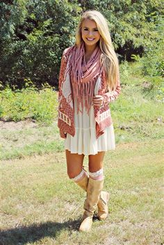 rust and cream colored aztec print cardigan - rust and cream colored aztec print cardigan Cute Fall Outfits, Fall Winter Outfits, Classy Outfits, Stylish Outfits, Beautiful Outfits, Spring Outfits, Girl Outfits, Fashion Outfits, Church Outfit Winter