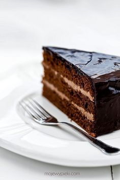 Chocolate Cake with Cocoa Butter Cream and Apricot & Chocolate Glaze Chocolate Glaze, Decadent Chocolate, Cake Chocolate, Chocolates, Cocoa Butter Cream, Prague, Cake Recipes, Dessert Recipes, Dessert Food