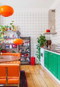 5 Minimalist And 5 Maximalist Kitchens You'll Love | Glitter Guide 184225440995606912 #bohokitchen