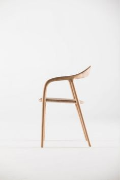 Neva Chair is a minimalist design created by Croatia-based designers Ruđer Novak-Mikulić & Marija Ružić.