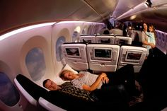 Air New Zealand 'revolutionizes' coach cabins: power, USB, iPod support and Skycouches -- Engadget