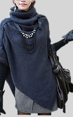 Love this sweater-poncho thing! Whatever it is it looks warm. Look Fashion, Womens Fashion, Fashion Trends, Fashion Boots, Mode Statements, Vetements Clothing, Casual Mode, Casual Chic, Neue Outfits