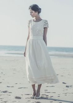 Les plus belles robes de mariée de la Bridal Fashion Week automne-hiver 2013-2014 Laure de Sagazan. I would recommend that dress to middle age women.