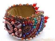 """Le bracelet """"Topaz"""" vous pouvez le voir sur :  http://lesmerveillespat.canalblog.com/ http://www.alittlemarket.com/boutique/les_merveilles_de_perles-805099.html"""