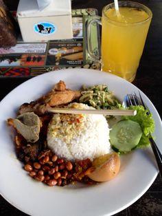 Nasi ayam Kedewatan bu Mangku, Bali