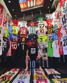 Lionel Messi has built a man cave filled with football shirts. Love the random West Ham shirt Football Messi, Messi Soccer, Football Is Life, Football Shirts, Football Jokes, Leonel Messi, Cr7 Messi, Messi And Ronaldo, Neymar Jr
