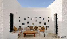 courtyard / Koufonissi Villa Iokasti, Cyclades, Greece