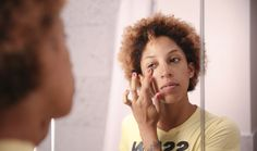 """7 Things You Should Know About Applying Foundation, Because The """"Squirt And Smear"""" Method Just Isn't Cutting It"""