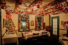 restaurant christmas decorations - Google Search | Christmas ...