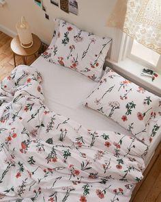 Dream Rooms, Dream Bedroom, Home Bedroom, Bedrooms, 70s Bedroom, Trendy Bedroom, Master Bedroom, Decor Room, Living Room Decor